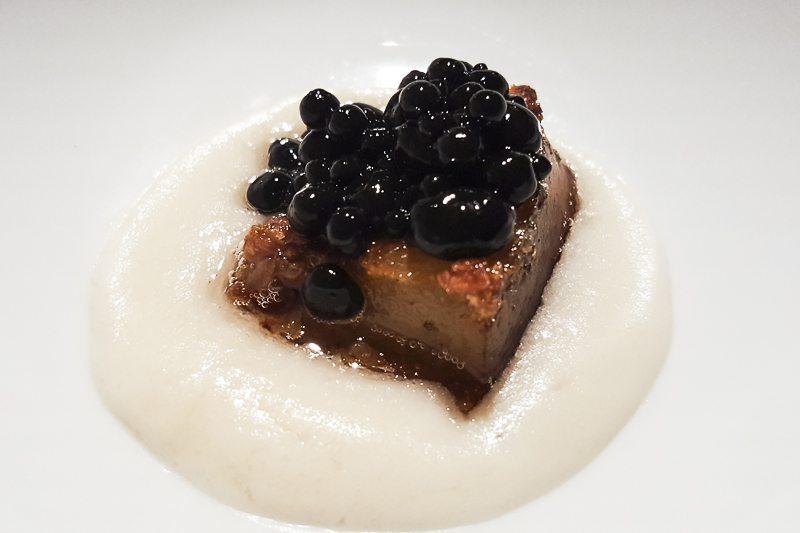 Pork with herring pearls Manairó