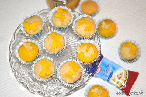 citornovo mandlove cupcake s marcipanom