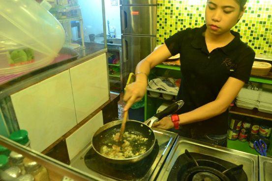 Rego's Pasta Express - Cooking Gambero Basil Pesto