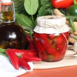 Peperoncino-intero-olio-santo-e1568845092709.jpg