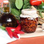 Peperoncino-tritato-olio-santo-1-e1568063669776.jpg