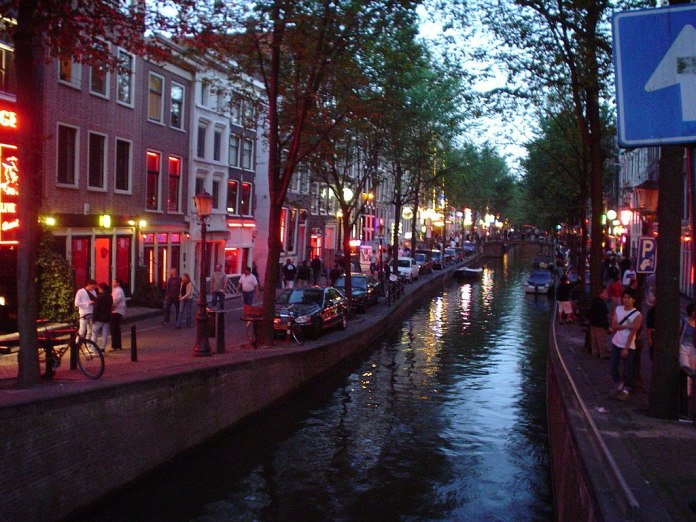 1024px Amsterdam red light district 24 7 2003