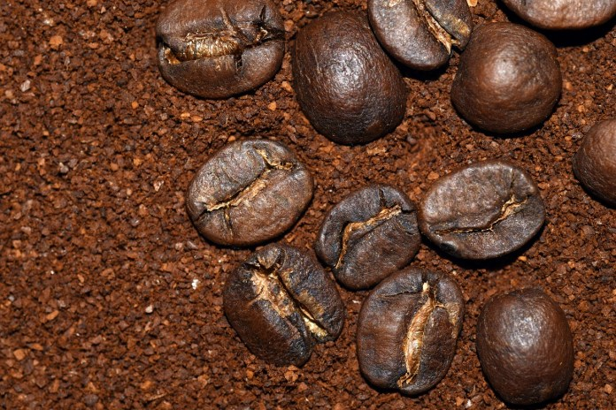 How Many Cups of Ground Coffee in a Pound