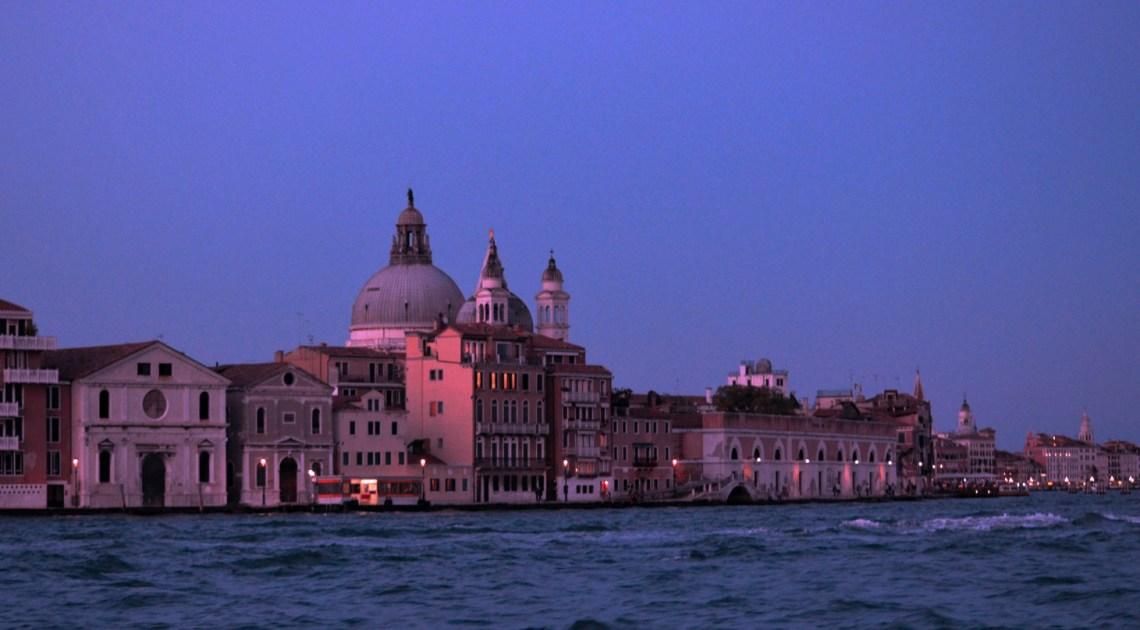 Immortale Venezia, by night.