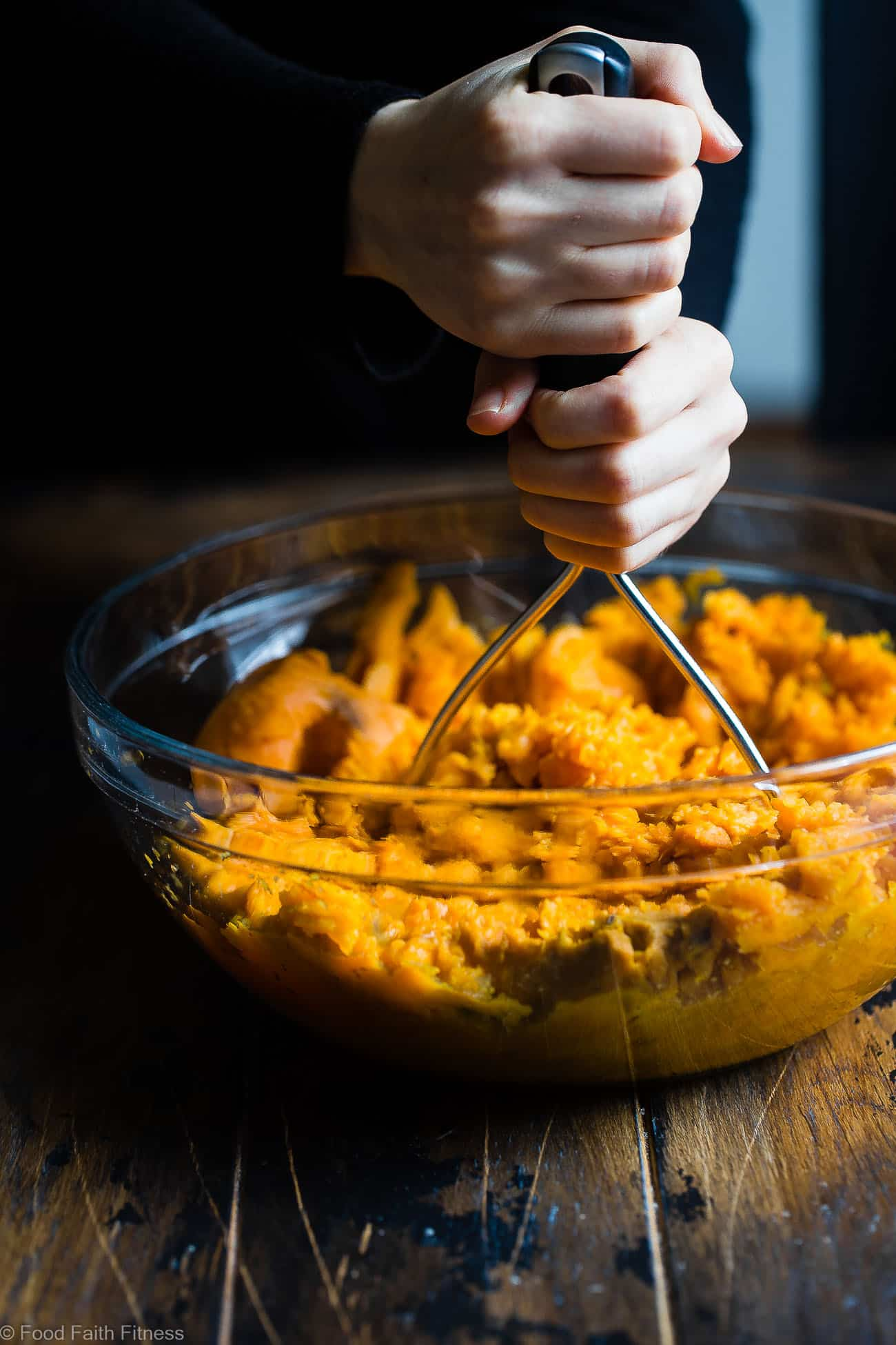 Curried Savory Vegan Healthy Mashed Sweet Potatoes - This healthy sweet potato mash is a sweet and spicy spin on a holiday classic!  So creamy you will never believe they are dairy, grain and gluten free and paleo/vegan/whole30 compliant! | Foodfaithfitness.com | @FoodFaithFit