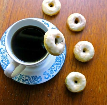 Skinny Lemon Poppy Seed Mini Donuts