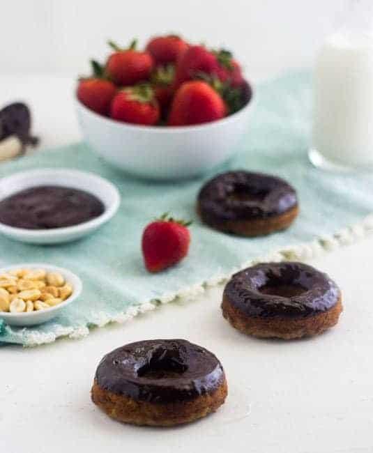 Gluten Free Banana Bread Donut Sundaes - Like a banana split in donut form! | Food Faith Fitness| #recipe #donut #bananabread