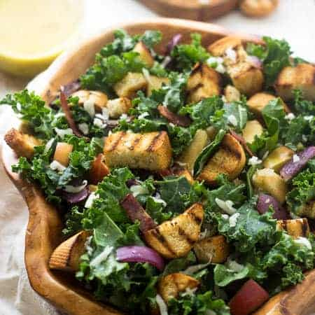 Grilled Kale Panzanella Salad - With THE BEST smokey honey mustard vinaigrette!   Foodfaithfitness.com   #salad #kale #recipe