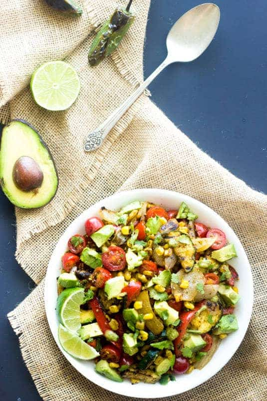 Grilled Corn Salad with Jalapeno Lime Vinaigrette - A quick, easy and SO yummy side dish! | Foodfaithfitness.com | #salad #recipe #Mexican