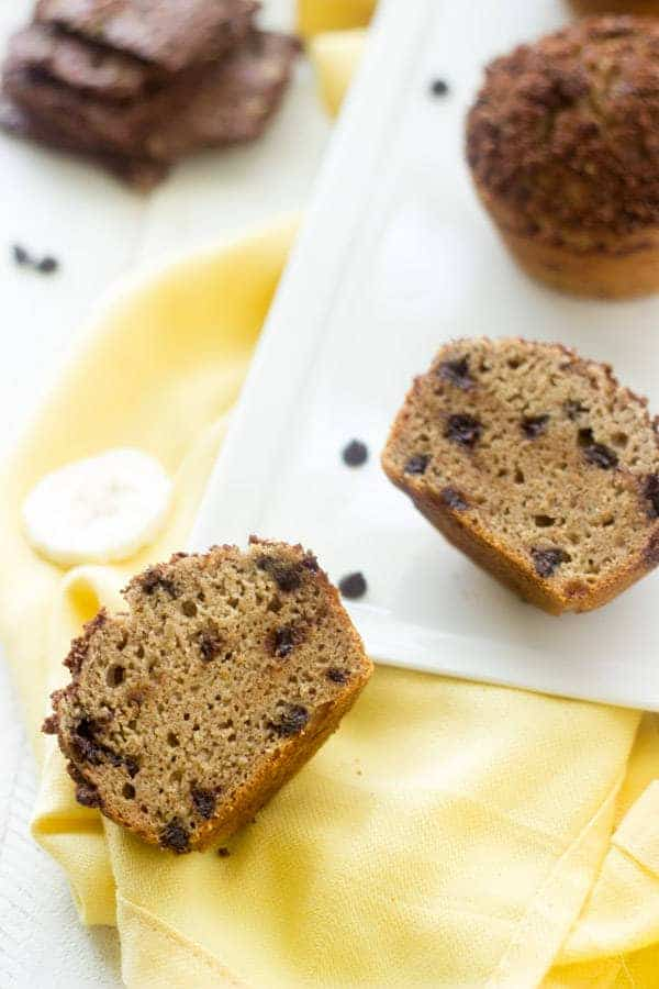 Banana Chocolate Chip Muffins with Brownie Brittle Topping - Whole wheat and oil free, these are great for school lunches! | Foodfaithfitness.com | #muffin #banana #recipe