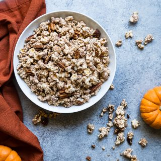 Vegan Pumpkin Spice Protein Popcorn -This Pumpkin Flavored Homemade Microwave Popcorn is a healthy, dairy-free and protein packed fall treat! Perfect for kids and adults and so easy to make! | Foodfaithfitness.com | @FoodFaithFit
