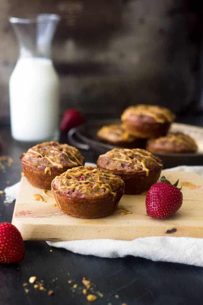 PB and J Quinoa Egg Muffins - A quick, easy portable and SUPER healthy breakfast that and you and your kids will love! | Foodfaithfitness.com | #recipe #quinoa #glutenfree #eggmuffin