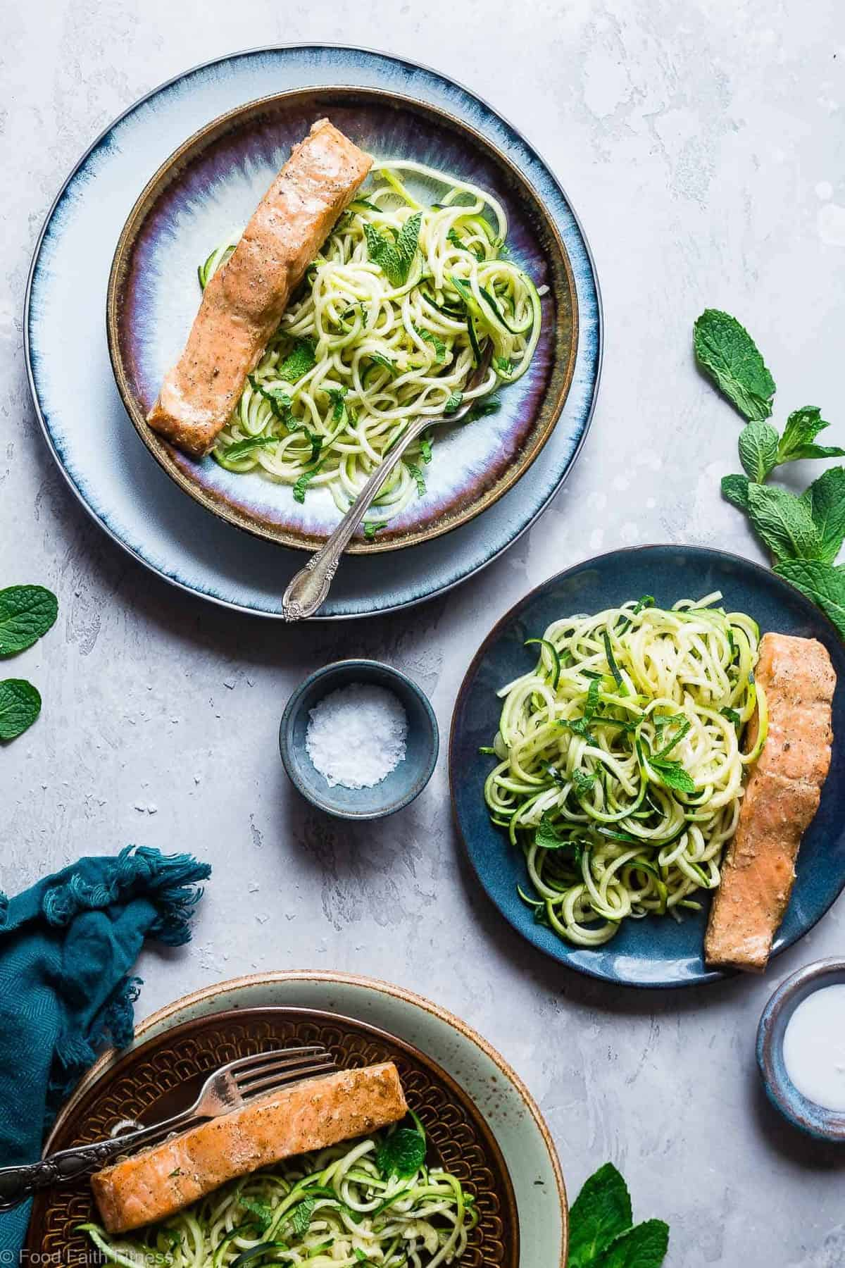 Whole30 Indian Salmon Curry Zucchini Noodles - A SUPER easy, 5-ingredient, healthy meal that is paleo, gluten free, low carb and whole30 compliant! Perfect for busy weeknights! | #Foodfaithfitness | #Paleo #Lowcarb #Whole30 #Healthy #Keto
