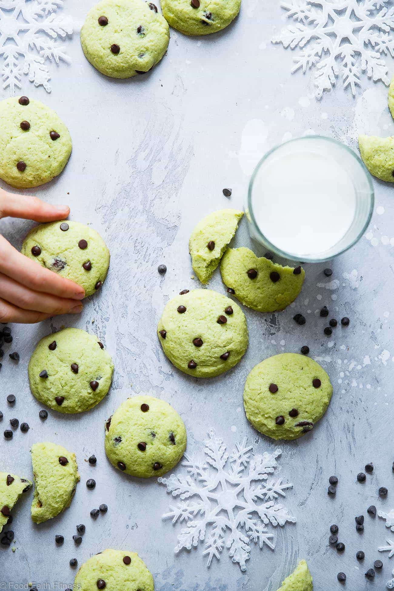 Gluten Free Mint Chocolate Chip Sugar Cookies - An easy soft sugar cookie recipe that is sugar free, naturally colored and only 90 calories and 4 SmartPoints! Perfect for Christmas!   Foodfaithfitness.com   @FoodFaithFit