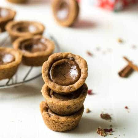 Shortbread Cookie Cups with Brown Sugar Cinnamon Filling - these simple cookies are crunchy on the outside and SO chewy and on the inside! Like a Pop tart in Christmas cookie form! | Foodfaithfitness.com | #recipe