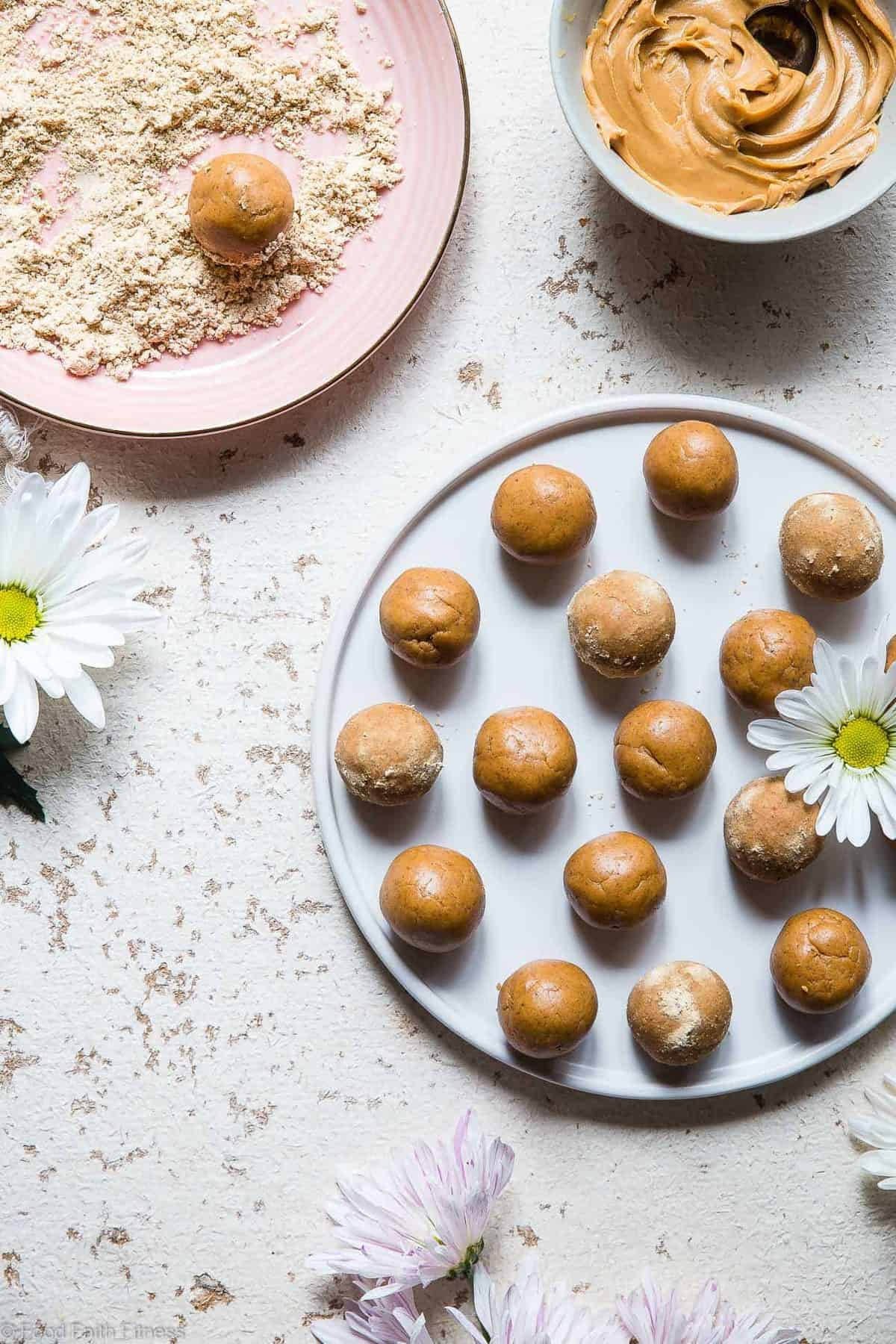 Peanut Butter Protein Healthy Cookie Dough Balls Recipe - This easy recipe is only 4 ingredients and take 10 mins! Gluten free, dairy free and PACKED with protein too! A healthy snack for kids or adults! | #Foodfaithfitness | #Glutenfree #Dairyfree #PeanutButter #Healthy #CookieDough