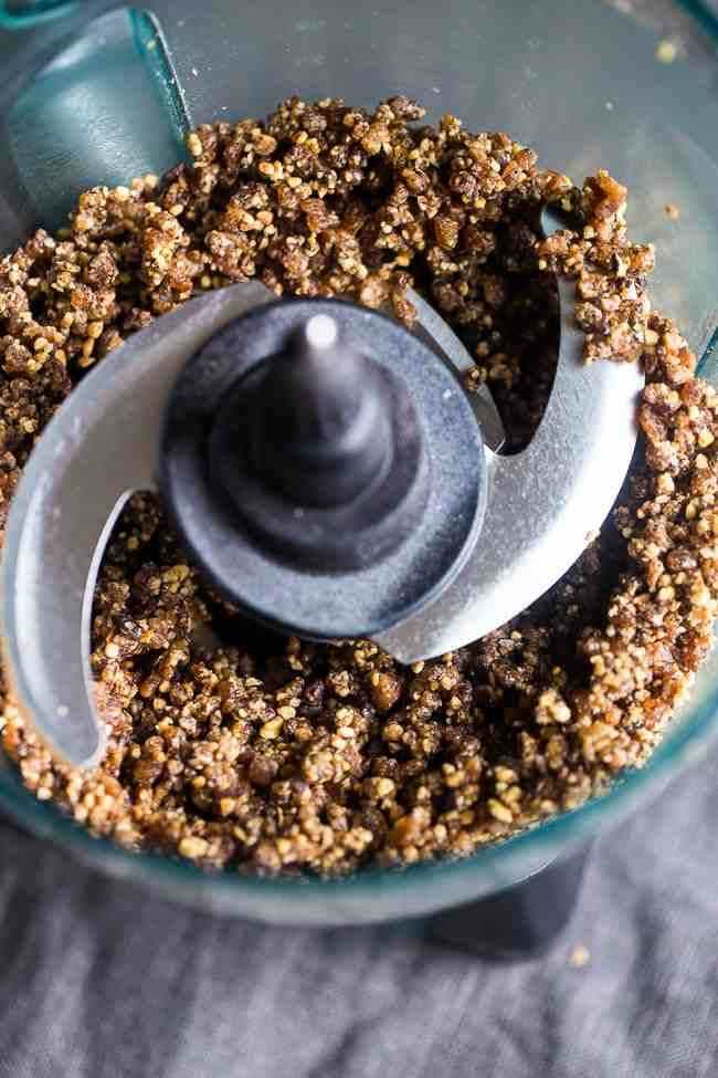 making-chocolate-tart-picture