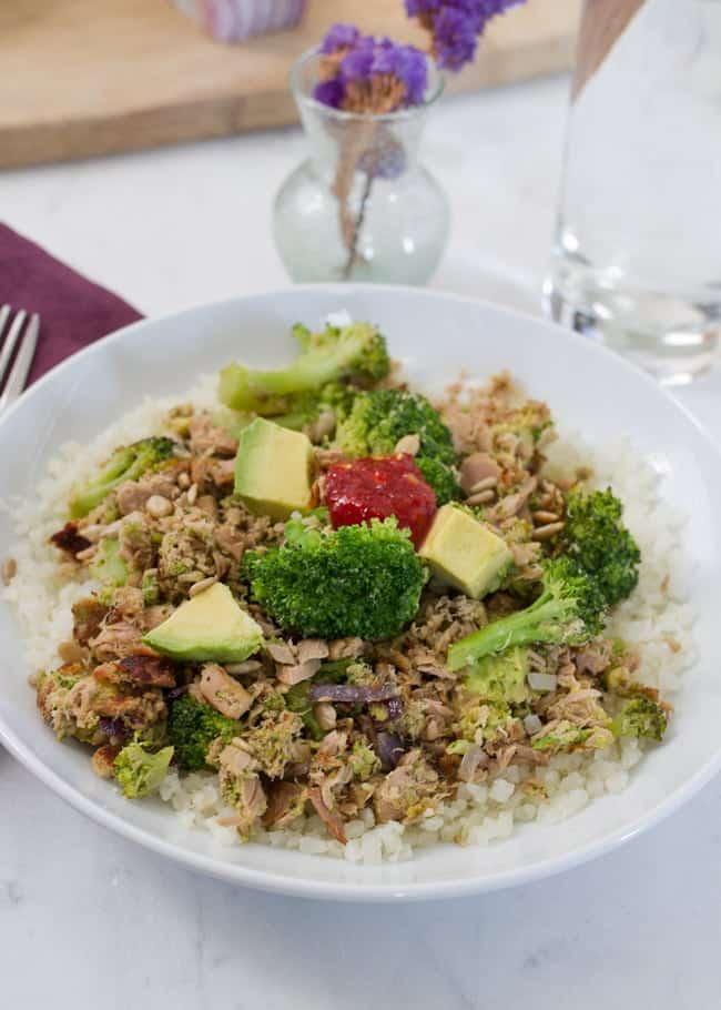 Paleo Chipotle Chicken Burrito Bowls + 3 Healthy Bowl Meals | Foodfaithfitness.com | @FoodFaithFit