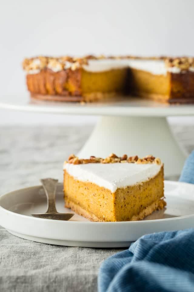 Gluten Free Carrot Cake Vegan Cheesecake {Paleo}