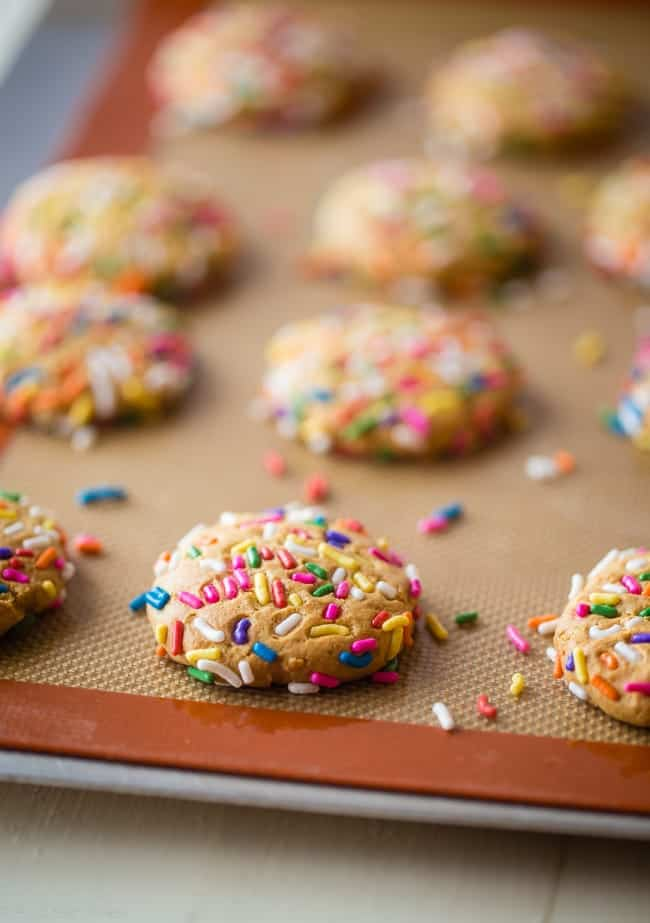 Funfetti Protein Cookies - These quick and easy cookies taste just like funfetti cake! You'll never know they're a healthy, protein-packed and gluten free treat for under 90 calories and 3 SmartPoints! | Foodfaithfitness.com | @FoodFaithFit