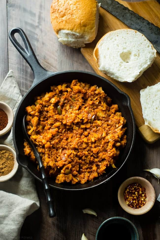 Vegan Sloppy Joes - You will never believe that this quick and easy, one-pot dinner uses cauliflower instead of meat! They're a healthy, gluten free, crowd pleasing dinner that's ready in under 30 mins and are under 300 calories!   Foodfaithfitness.com   @FoodFaithFit