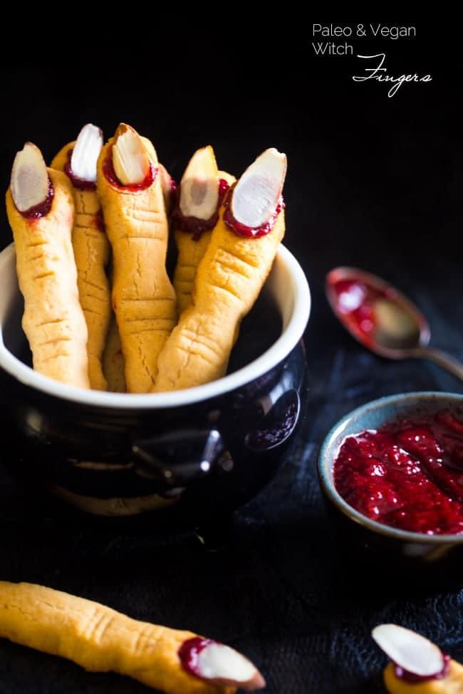 40+ Healthier Halloween Treat Recipes - A collection of over 40 healthier Halloween treat recipes in one place!   Foodfaithfitness.com   @FoodFaithFit