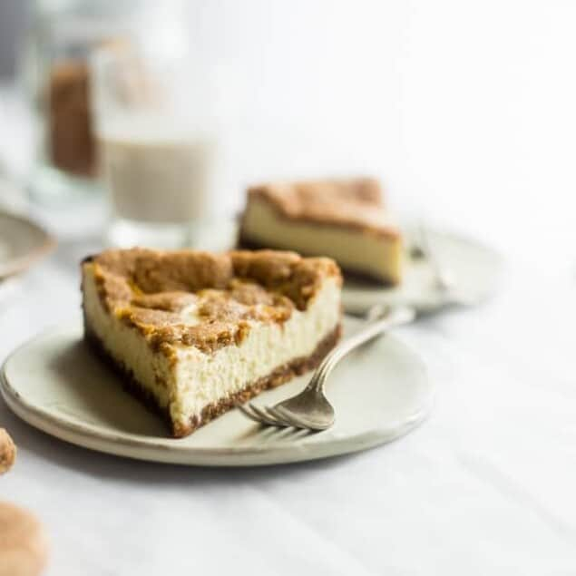 Gluten Free Snickerdoodle Greek Yogurt Cheesecake on Food Faith Fitness - A healthy, gluten free and protein packed dessert for the Holidays!