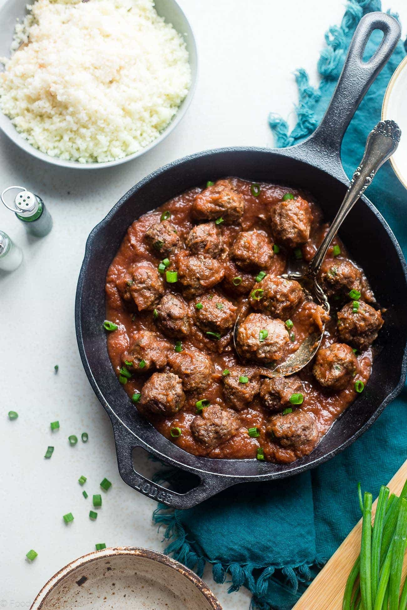 Whole30 Sweet and Sour Paleo Meatballs - These easy paleo meatballs are a healthy remake of a classic recipe that is gluten free and whole30 complaint! They're a weeknight meal that everyone will love! | Foodfaithfitness.com | @FoodFaithFit