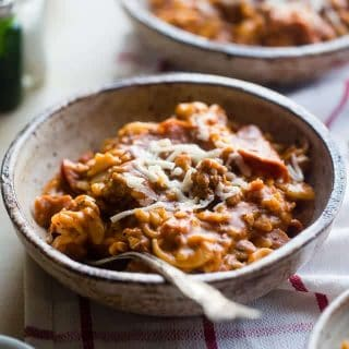 Gluten Free Crock Pot Pizza Pasta - This easy gluten free crock pot pasta has all the flavors of meat lovers pizza, but without all the work! It's a healthy, crowd pleasing weeknight dinner that the whole family will love! | Foodfaithfitness.com | @FoodFaithFit