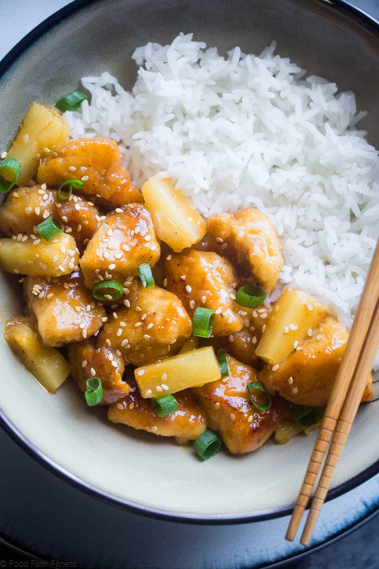 Whole30 Firecracker Pineapple Chicken - This healthy, sweet and spicy chicken is way better than takeout! A gluten free, paleo and whole30 compliant dinner that is always a crowd pleaser!   #Foodfaithfitness   #Paleo #Whole30 #Glutenfree #Healthy