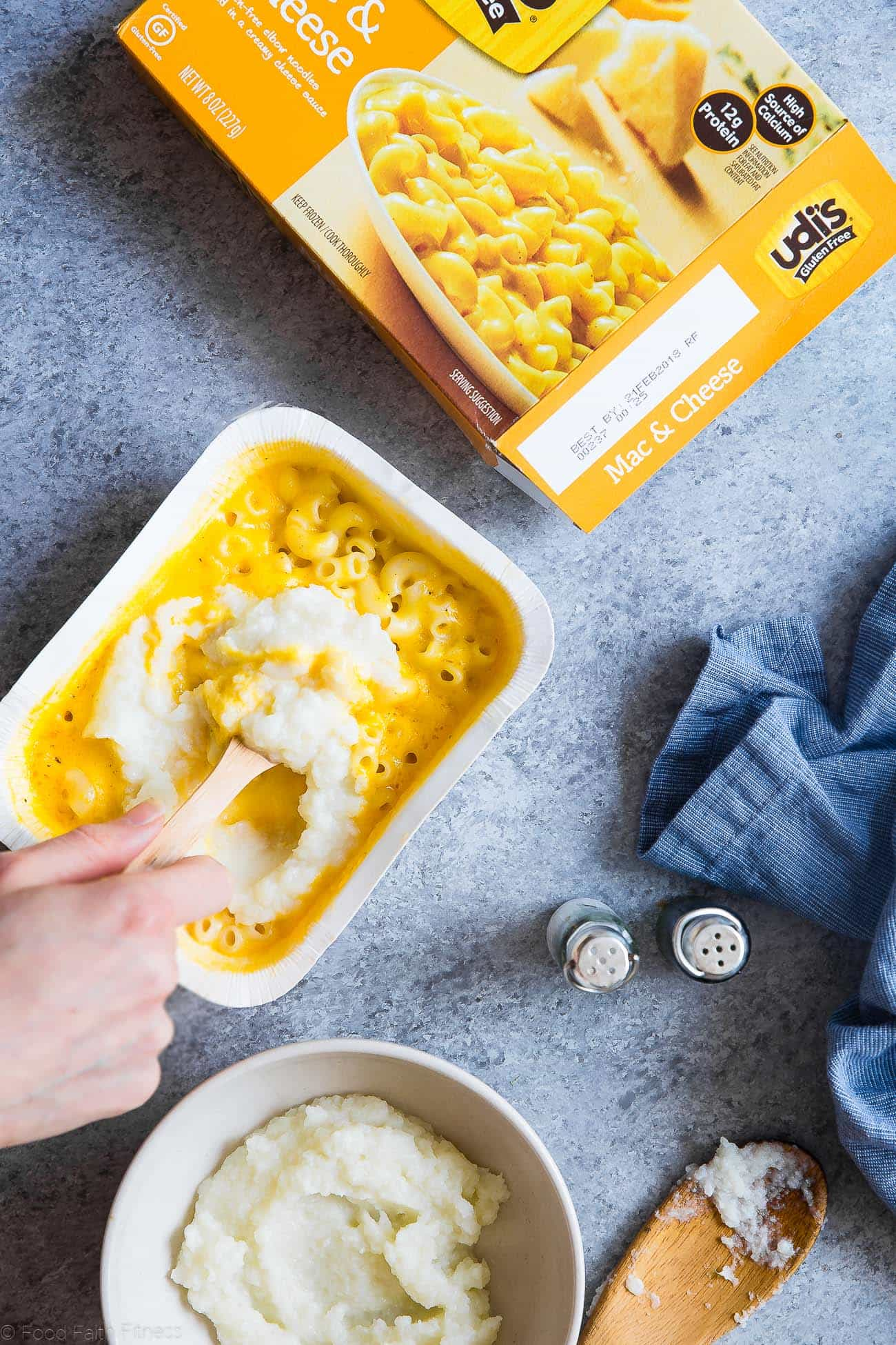Hidden Veggie Healthy Mac and Cheese Meal Prep Bowls - Aneasy, gluten free, make-ahead lunch to get your family to eat veggies without complaining! Only 300 calories and perfect for school lunches! | Foodfaithfitness.com | @FoodFaithFit