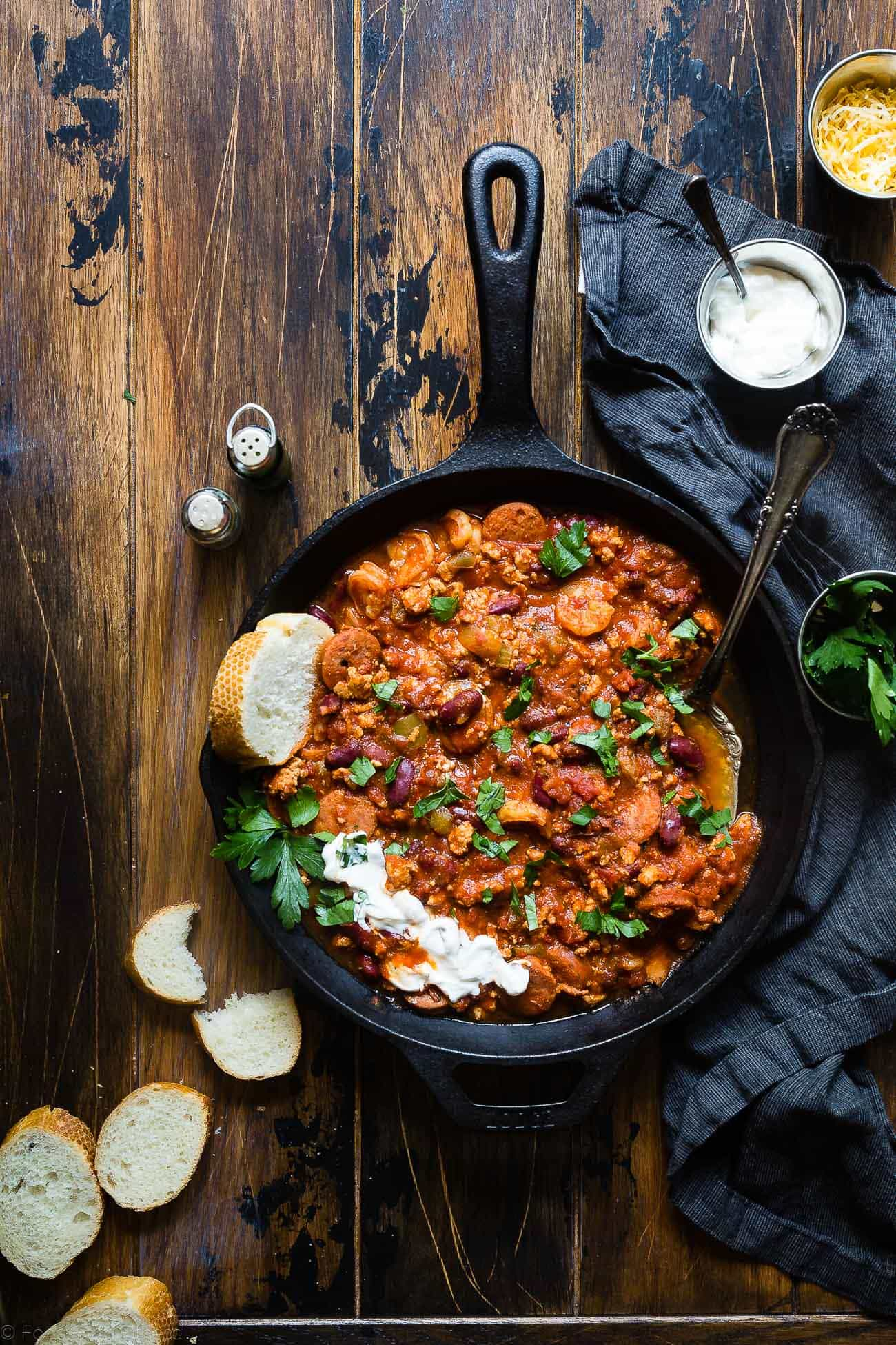 Instant Pot Cajun Chili - This quick and easy, healthy Instant Pot chili, with a little Cajun flair, is sure to become a family favorite! It's dairy/grain/gluten free, makes great leftovers and freezes great! Perfect for meal prep! | Foodfaithfitness.com | @FoodFaithFit