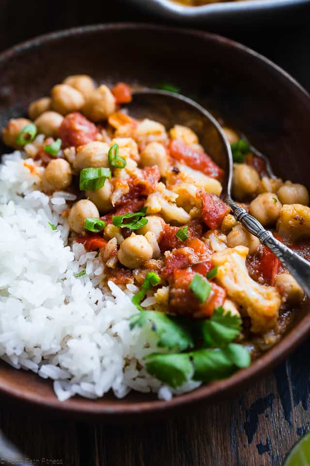 Easy Vegan Cauliflower Chickpea Curry