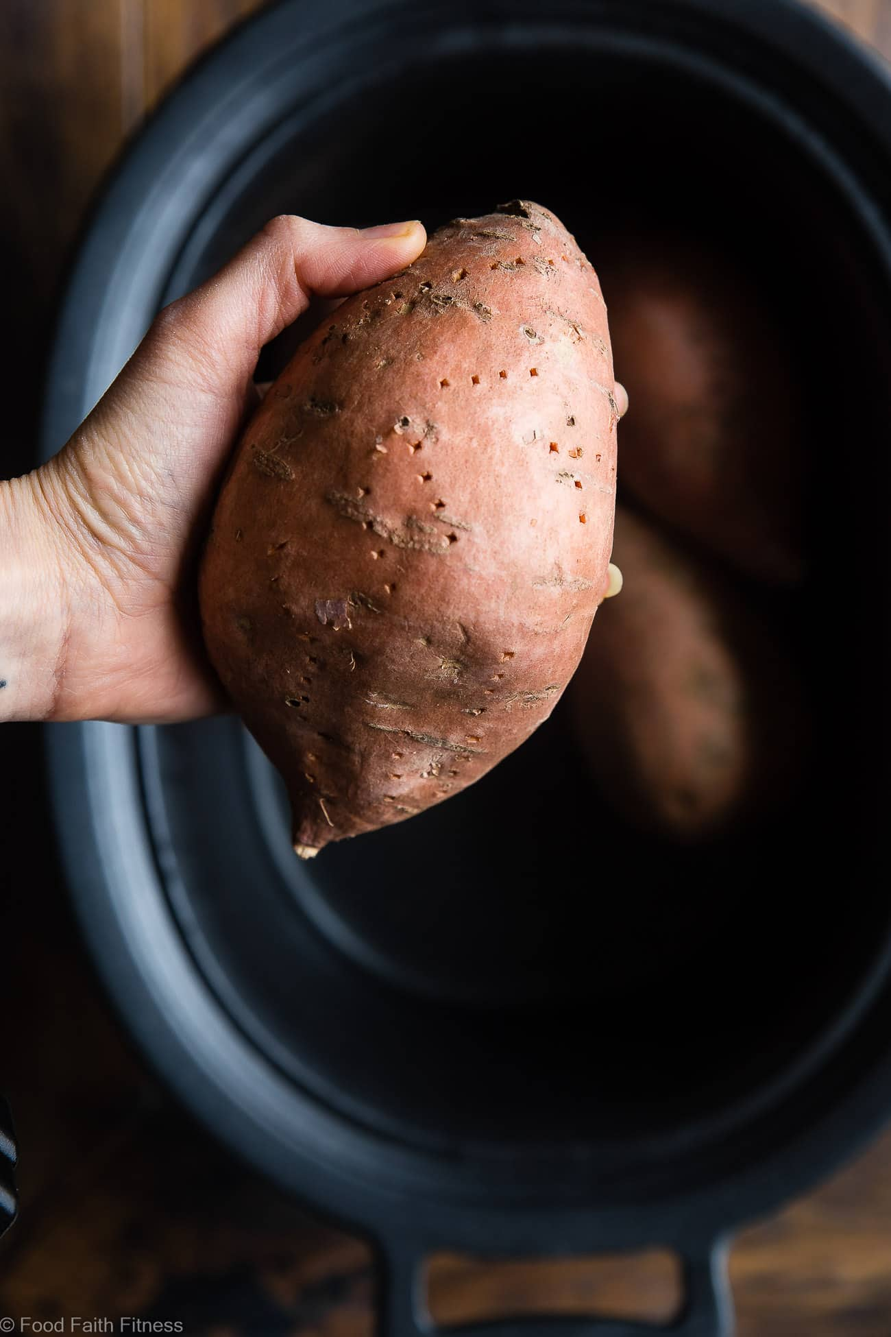 How to Cook Crock Pot Sweet Potatoes - Let the slow cooker do all the work for you! These sweet potatoes are SO easy and come out perfect EVERY TIME! A healthy, paleo, vegan and whole30 side dish! | #Foodfaithfitness | #Paleo #Glutenfree #Healthy #Slowcooker #Crockpot