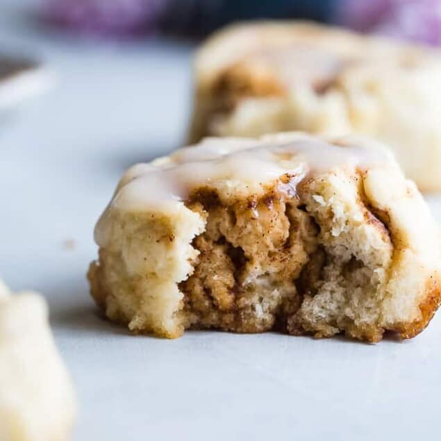 The BEST Easy Dairy Free Gluten Free Vegan Cinnamon Rolls -You will never believe that these Cinnamon Rolls are better for you, gluten free/dairy free/egg free and under 200 calories! Soft, tender and perfectly sweet and spicy! | #Foodfaithfitness | #Glutenfree #Healthy #Vegan #DairyFree #EggFree