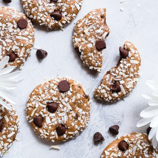 Almond Chocolate Chip Coconut Protein Cookies -This EASY protein cookie recipe use almond butter to make them extra soft and chewy! You will never know these are gluten free, healthy and packed with protein!   #Foodfaithfitness   #Glutenfree #Healthy #Cookies #Coconut #ChocolateChip