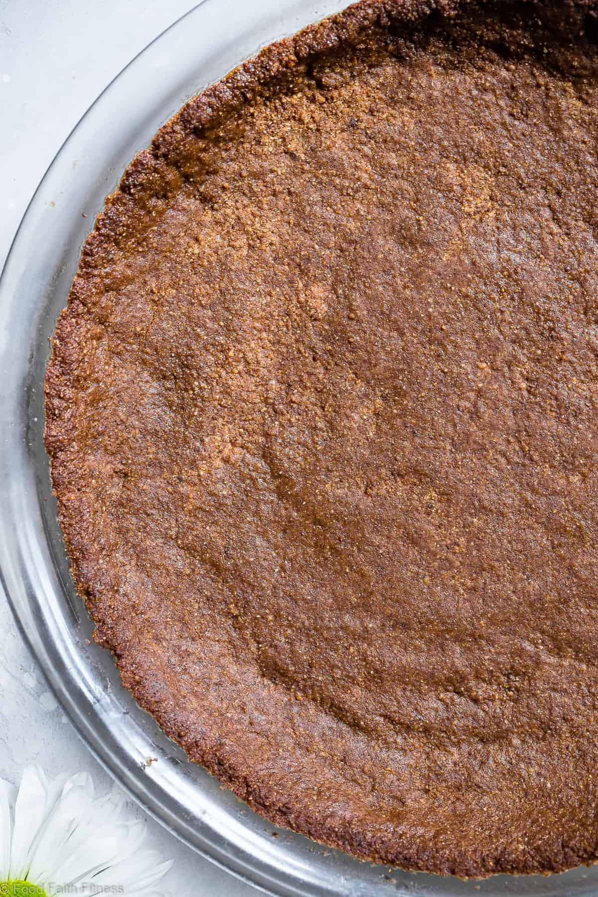 Low Carb Keto Gluten Free Graham Cracker Crust Recipe -  tastes like store bought but much better for you and sugar free! SO easy to make and perfect for SO many desserts! | #Foodfaithfitness | #Glutenfree #Keto #Lowcarb #Paleo #Sugarfree