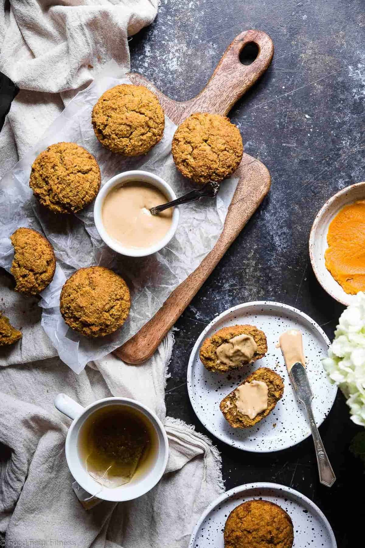 Gluten Free Paleo Pumpkin Muffins with Almond Flour - These quick and easy, healthy almond flour pumpkin muffins are SO spicy-sweet and FLUFFY! A yummy, fall breakfast or snack that kids or adults will LOVE! | #Foodfaithfitness | #Glutenfree #Paleo #Healthy #Pumpkin #Muffins