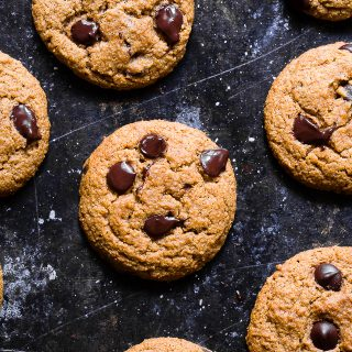 Pumpkin Spice Eggless Chocolate Chip Cookies -These are the best pumpkin Chocolate Chip Cookies! Crispy on the outside, chewy on the inside and have a punch of pumpkin spice! Gluten/dairy/egg free, vegan friendly and only 124 calories! | #Foodfaithfitness | #Glutenfree #Vegan #Dairyfree #Eggfree #Pumpkinspice