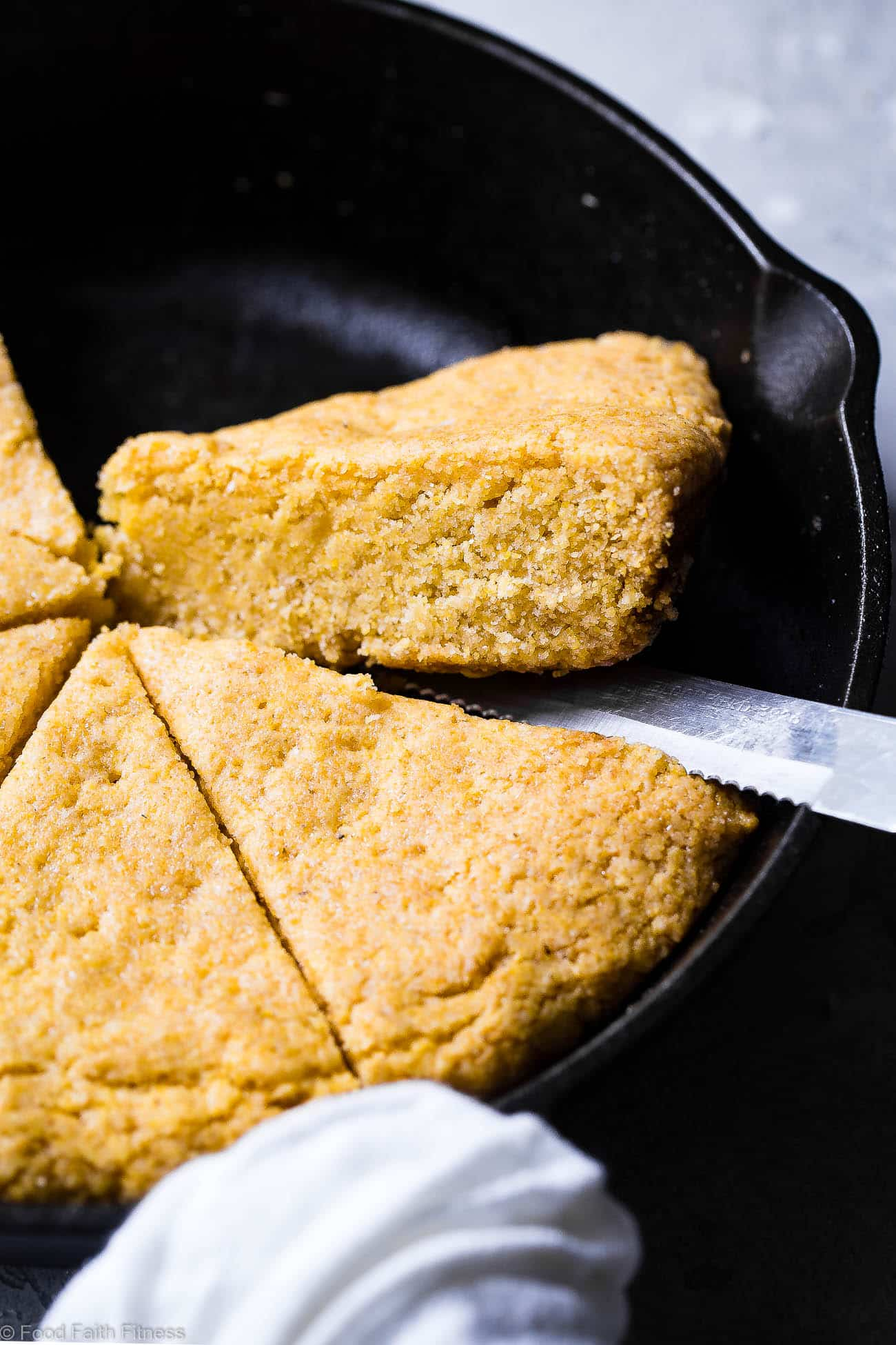 Easy Sweet Vegan Cornbread with Applesauce - This is the BEST gluten free, dairy free, egg free and vegan cornbread recipe! It's perfectly sweet, dense and SO chewy, you will never believe it's healthy and SO easy to make! | #Foodfaithfitness | #Glutenfree #Vegan #Dairyfree #Eggfree #Cornbread