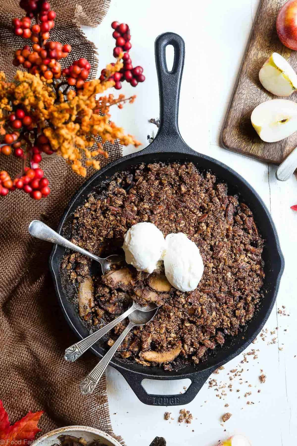 The BEST Paleo Vegan Apple Crisp with Coconut Flour - This almond flour apple crisp is an EASY, cozy fall dessert made with simple, wholesome ingredients! Perfectly crispy, and spicy-sweet that you won't believe it's gluten free, dairy free and better for you! | #Foodfaithfitness | #Vegan #Paleo #Healthy #Glutenfree #Dairyfree
