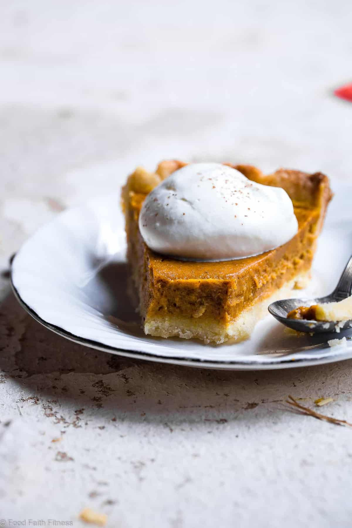 The BEST Low Carb Sugar Free Pumpkin Pie - This paleo friendly, sugar free and low carb pumpkin pie recipe is SO delicious, you will never know it's dairy and gluten free and only 200 calories a slice! Everyone will want this recipe! | #Foodfaithfitness | #Glutenfree #Sugarfree #Paleo #Lowcarb #Healthy