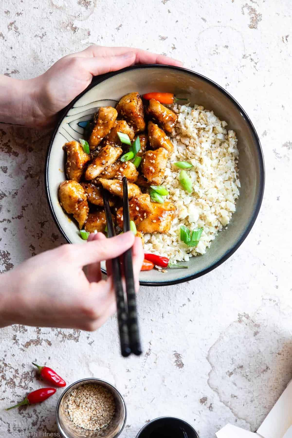 Paleo Easy Gluten Free Healthy Sesame Chicken - This paleo friendly, and sugar/grain/dairy and gluten free CRISPY Sesame Seed Chicken recipe tastes just like takeout but is SO much better for you! A quick dinner that the whole family will love! | #Foodfaithfitness | #Glutenfree #Paleo #Whole30 #Sugarfree #Healthy