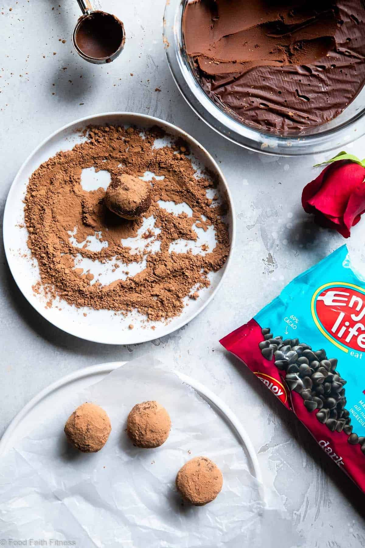 Dairy Free Vegan Truffle Recipe -These Homemade ChocolateTruffles are only 3 ingredients and are SO easy to make! So creamy you won't know they're gluten, grain and dairy free, paleo friendly and healthier! | #Foodfaithfitness |