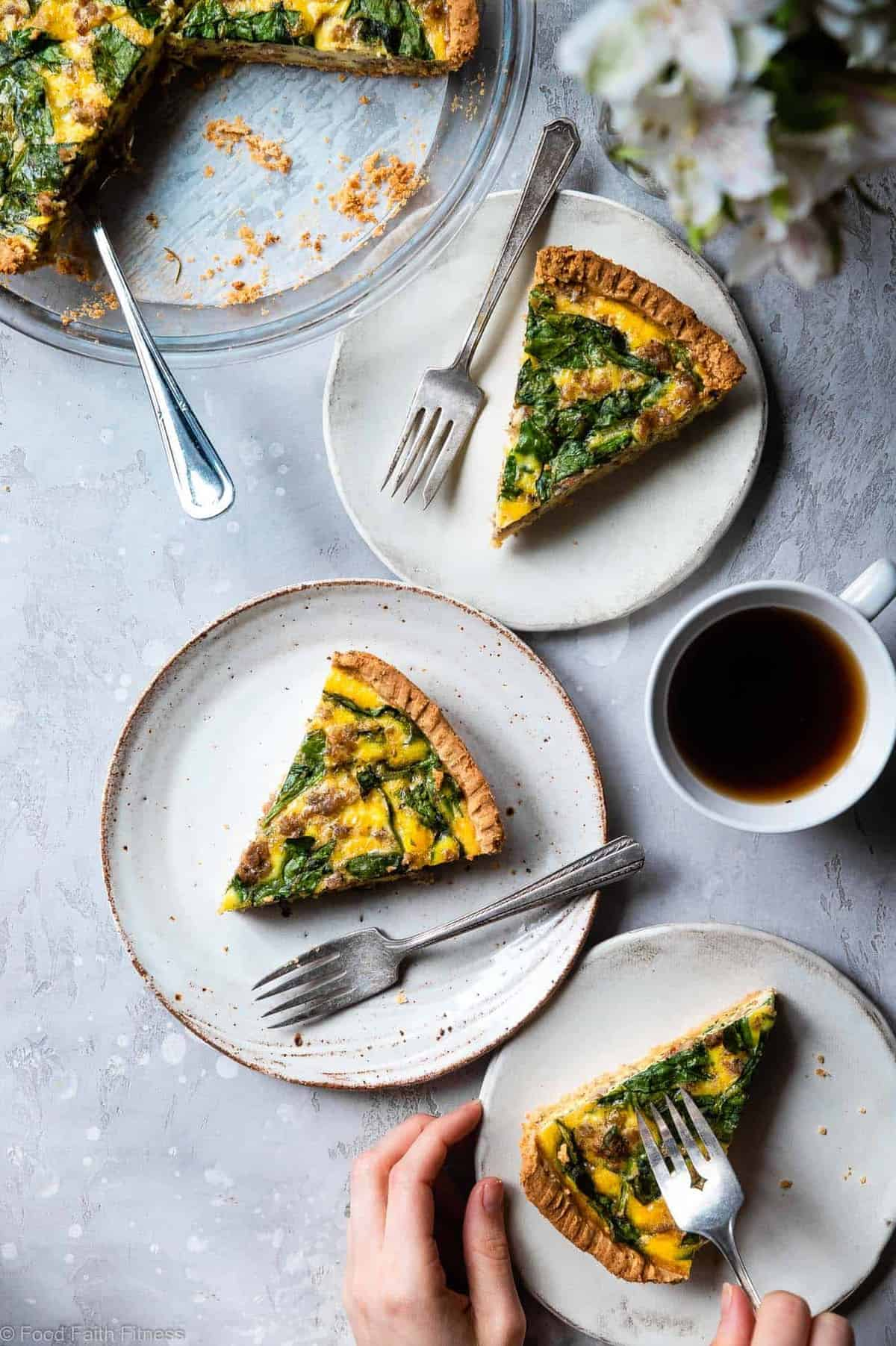 Gluten Free Low Carb Breakfast Quiche -This EASY low carb, dairy free and paleoQuiche has a homemade, buttery, flaky Almond Flour Crust! Sausage, spinach and eggs make a high protein, filling breakfast! Great for meal prep! | #Foodfaithfitness |