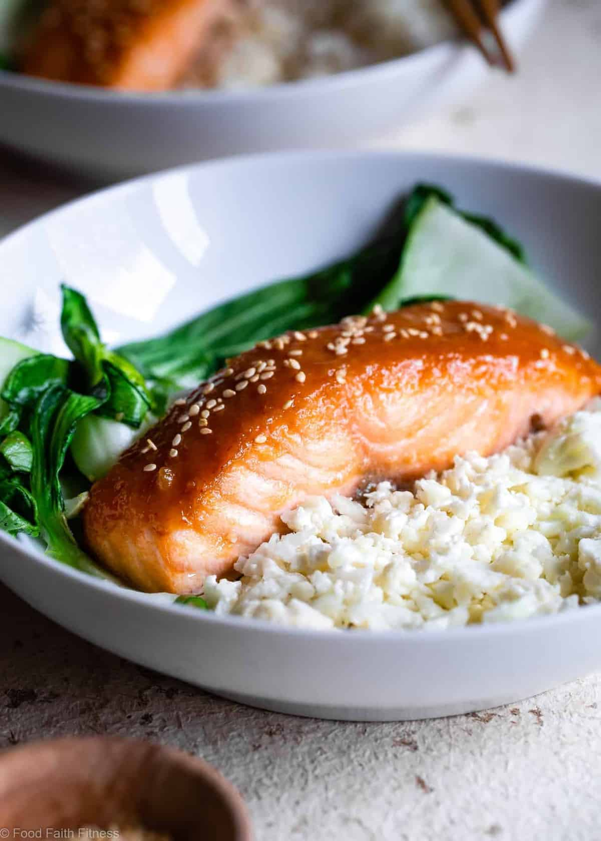 Honey Sriracha Miso Glazed Salmon - An easy, 15 minute weeknight dinnerthat is big on spicy-sweet asian flavor! A gluten free meal you'll make over and over! Only one Weight Watchers SmartPoint too! | #Foodfaithfitness |