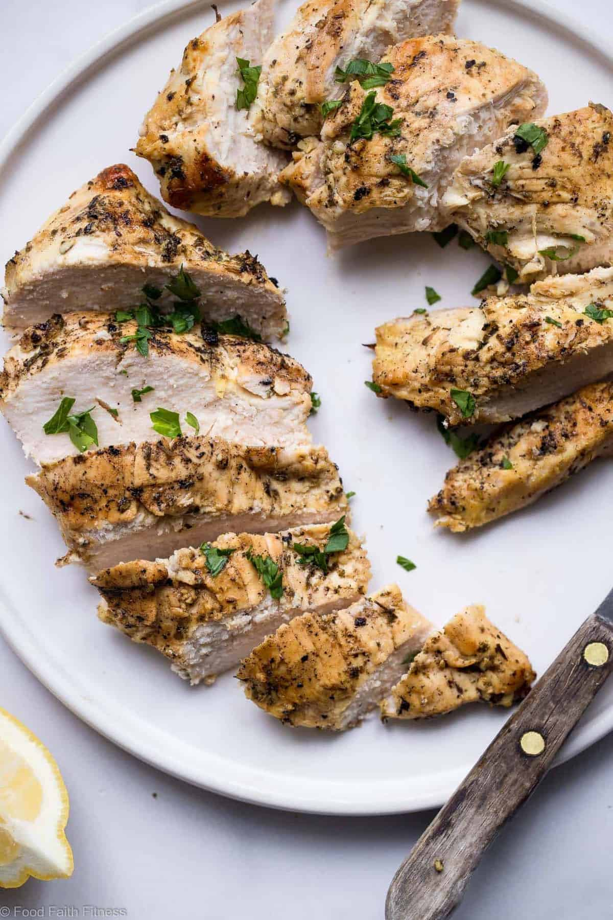 Easy Keto Chicken Marinade - This low carb, sugar free Chicken Marinade is the easiest and most versatile marinade for grilled chicken ever! Simple, made from pantry ingredients and gluten free/paleo/whole30!   #Foodfaithfitness   #glutenfree #paleo #lowcarb #keto #whole30