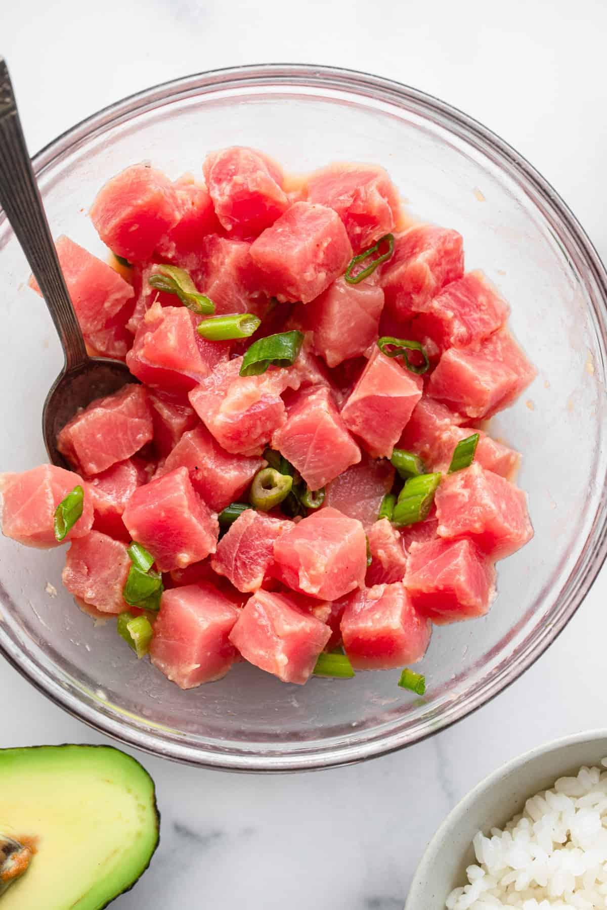 Poke bowl recipe tuna cut up and ready to serve