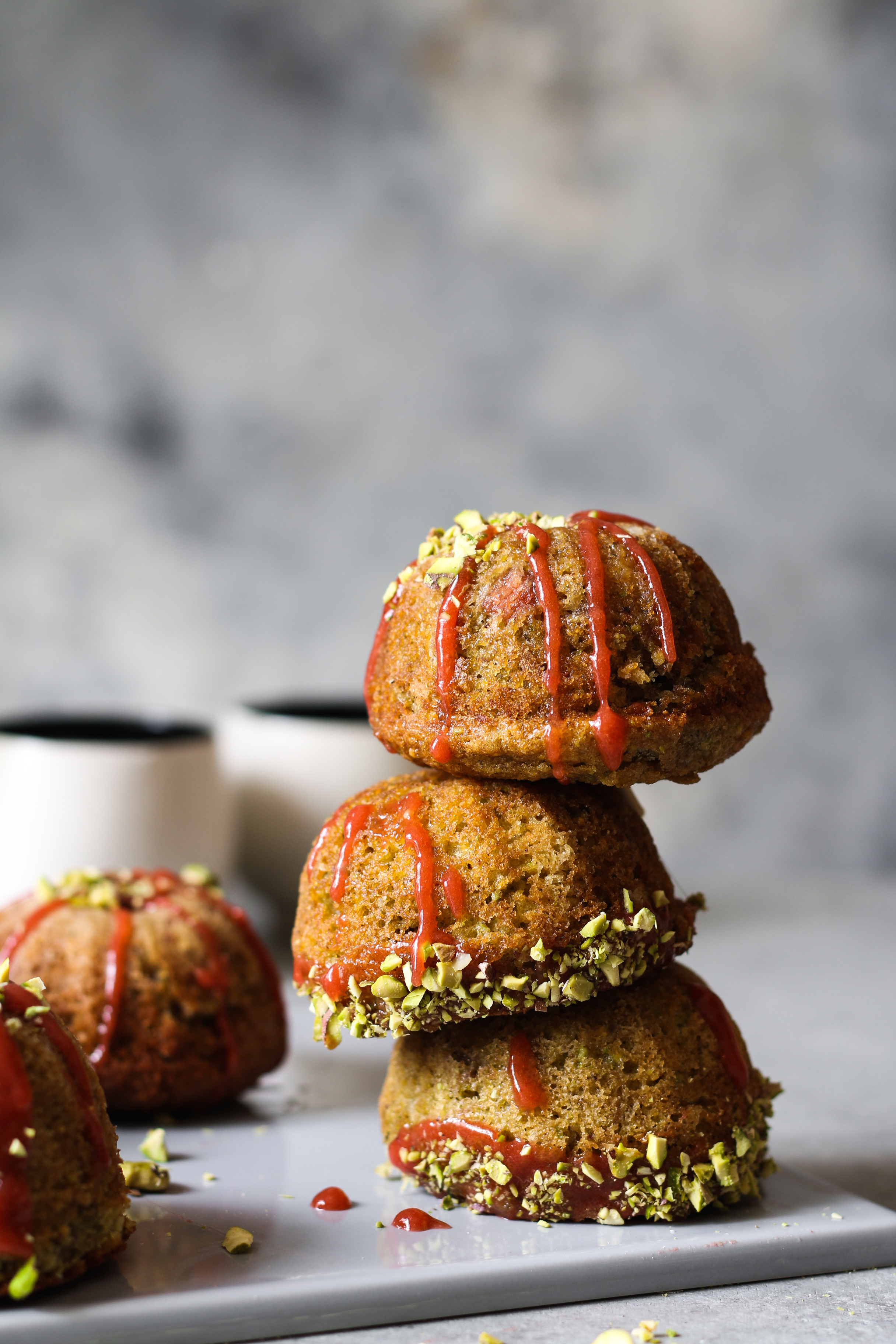 Rhubarb-Pistachio Mini Cakes for Mother's day |foodfashionparty| #mothersday #mini cakes