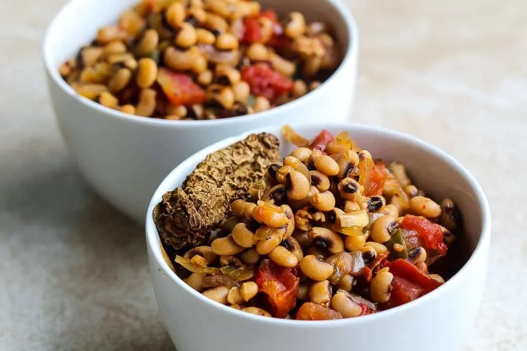 instant pot vegan black eyed peas recipe in a white bowl
